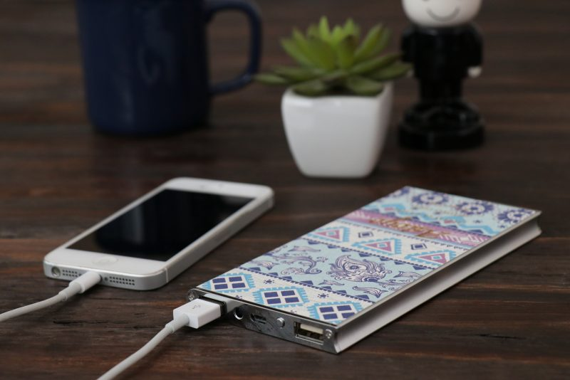 モバイルバッテリーの発火事故・・・原因は?商品を選ぶ時の大事なポイント!